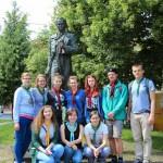 Біля пам`ятника Тарасові Шевченкові