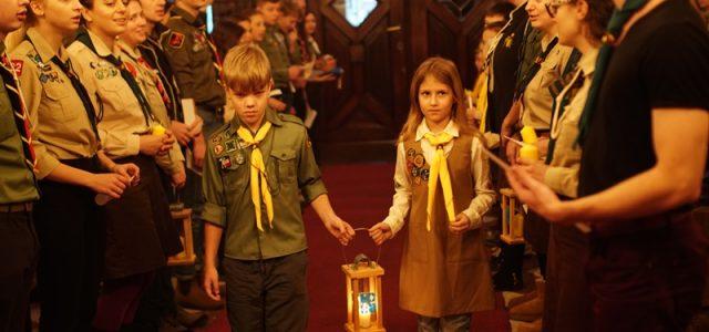 13-15 грудня 2019 р. Відні відбулась традиційна передача Вифлеємського Вогню Миру