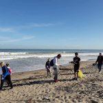 Пластуни прибирали пляж у Валенсії