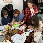 Пластуни в Шанхаї провели майстер-клас з писання писанок